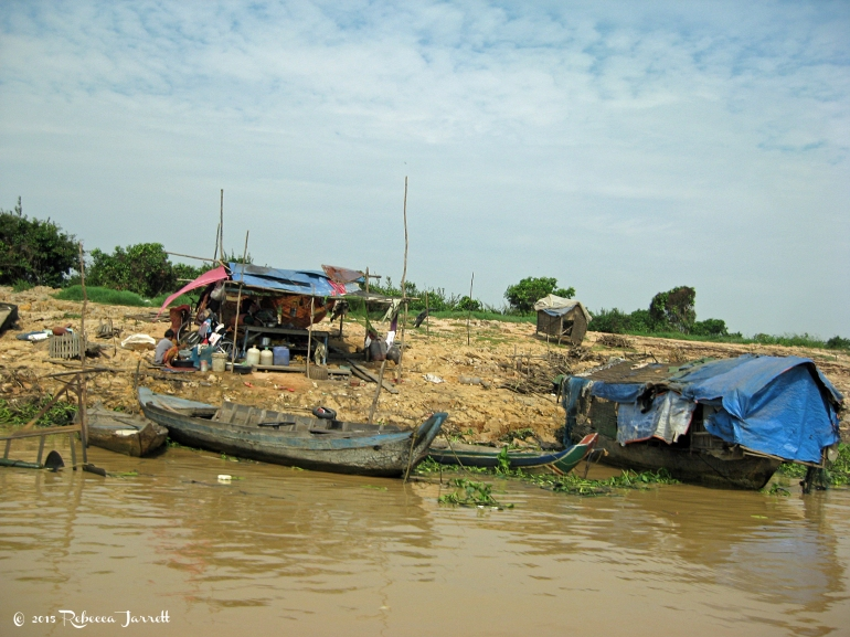 banksoftonlesap_cambodia_rebeccajarrett_travelblogger