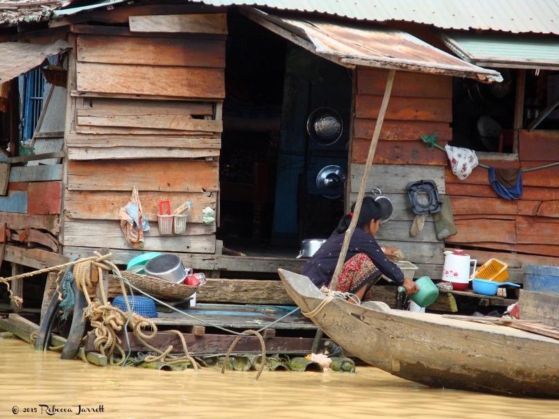dailychores_tonlesapfloatingvillage_cambodia_rebeccajarrett