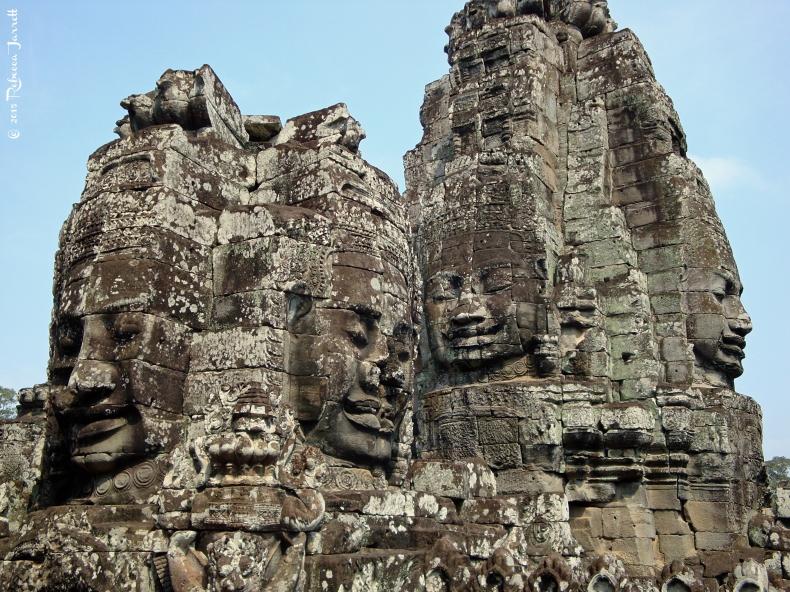 thebayon_angkorwat_cambodia_travel