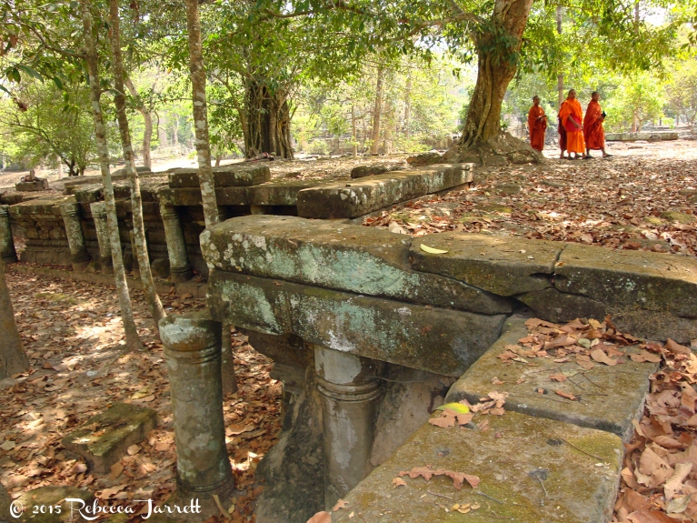 PreahPrithu_monks_Cambodia