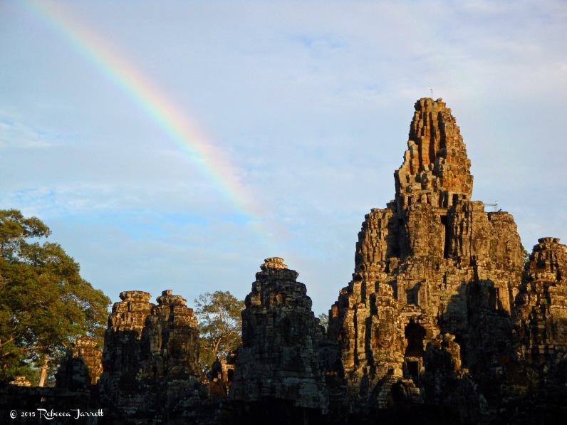 theBayon_rainbow_cambodia_angkorwat_travel