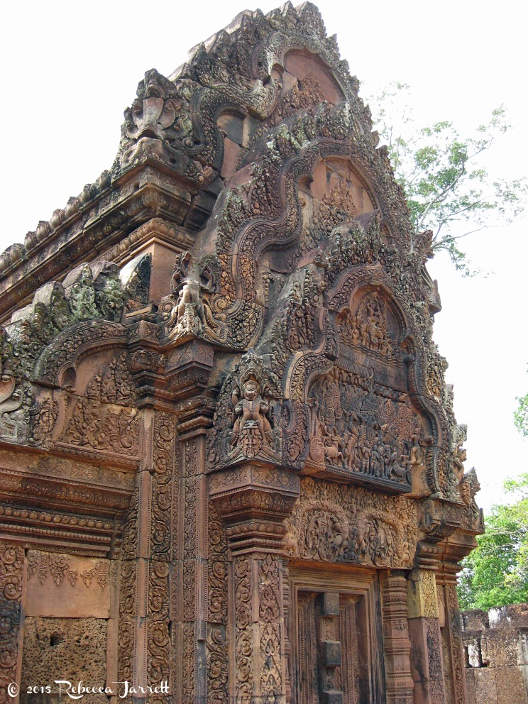 BantrySrei_intricatecarving_cambodia