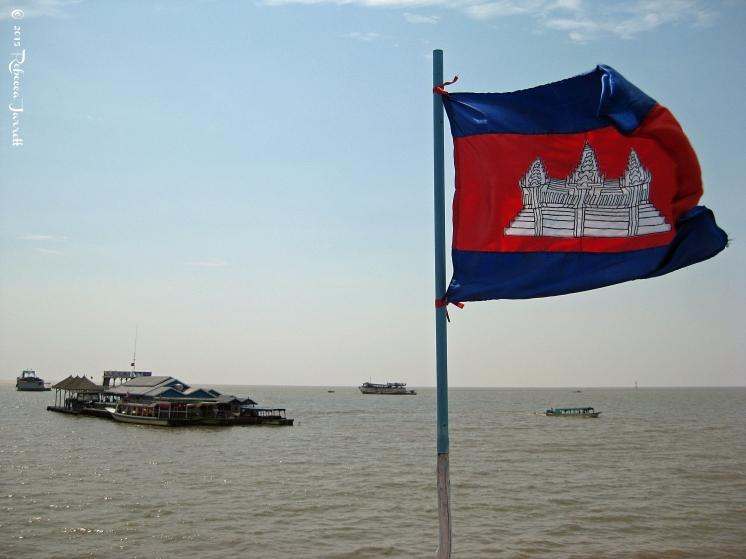 Khmerflag_tonlesapfloatingvillage_cambodia_rebeccajarretttravelblogger