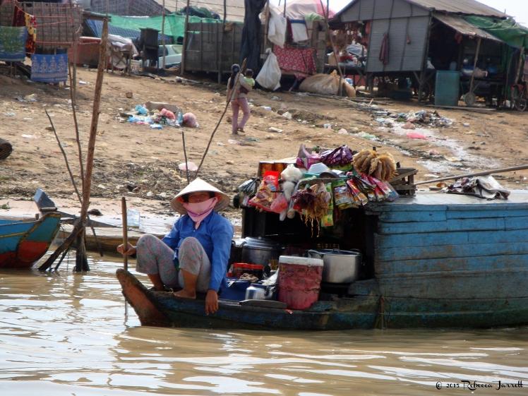 snacklady_tonlesapfloatingvillage_cambodia_rebeccajarretttravelblogger