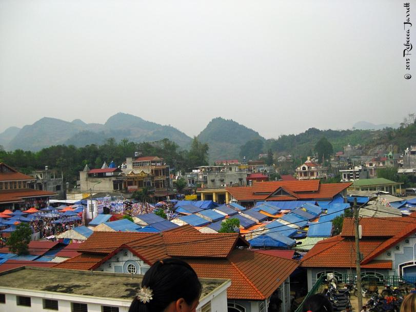 view_bacahsundaymarket_vietnam_beccajarrett_travelblogger