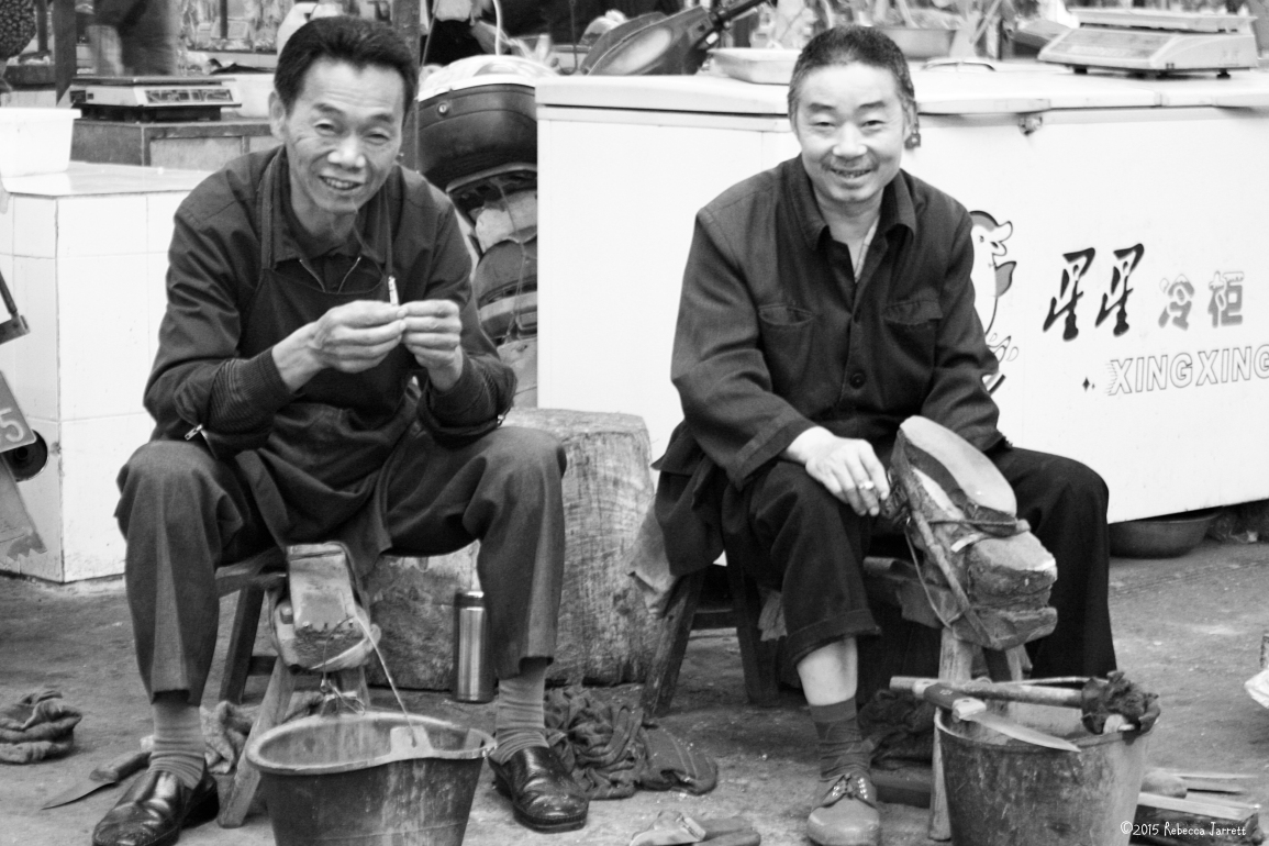 localmarketcobblers_chengduchina_thepersephoneperspectivetravelblog