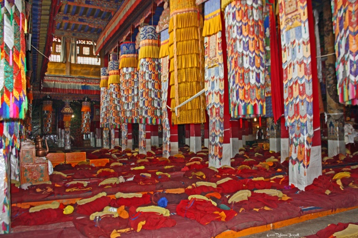 DrepungMonastery_wheremonkspray_Tibet_thepersephonepersepective_travelblog
