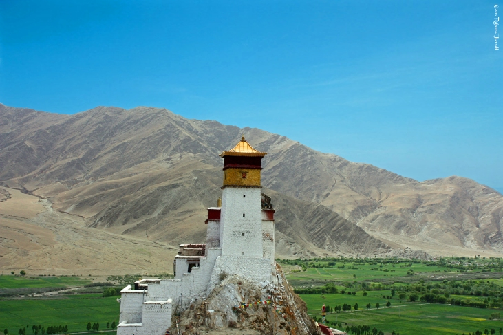 YungbuLakangPalace_YarlungValleyTibet_thepersephoneperspective_travelblog